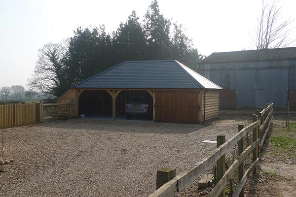 3-bay-oak-garage-fully-hipped-roof
