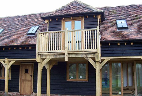 Traditional Oak Balcony Balustrade