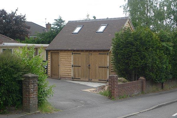 oak-garage-store-with-upper-floor-storage-rs